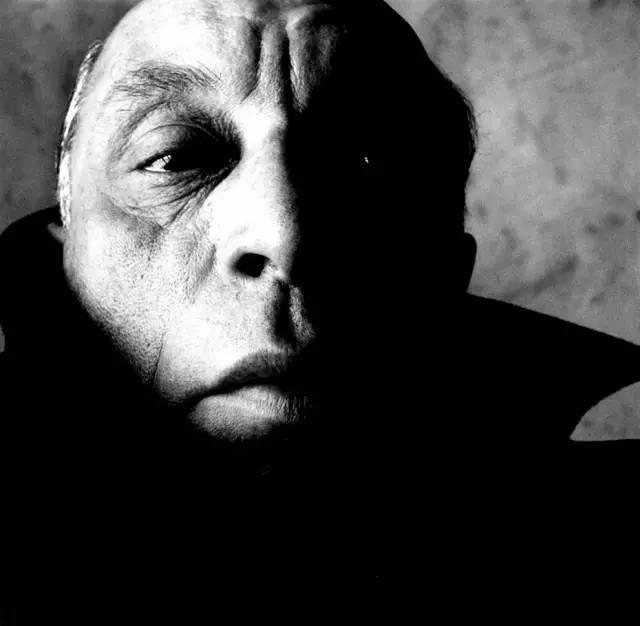 Irving Penn人物肖像摄影作品欣赏-21